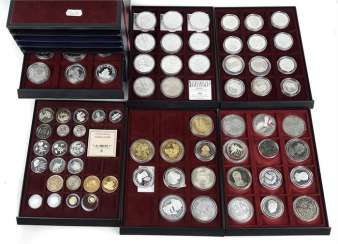 Collection of Gold/ silver coins etc