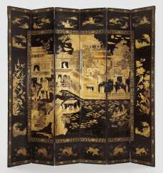 Courtly lacquer screen with chinoiserie