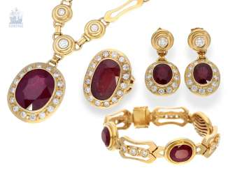 Chain/Ring/earrings/pendant: very high quality jewelry with rubies and brilliant-cut diamonds, a current value opinion for about 50.000€