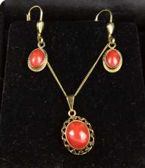 Coral Jewelry - Yellow Gold 333