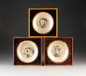 SET OF THREE SILVER PLATES