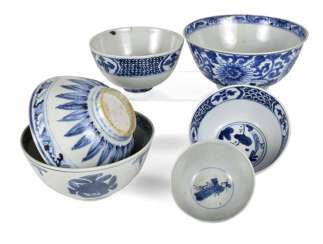 Six porcelain bowls with blue and white decor