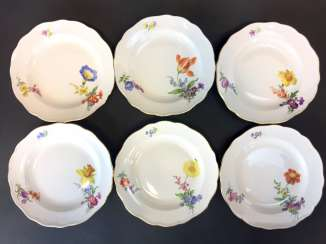 Six Dessert Plates: Meissen Porcelain. Flower 3 at the side and scattering the flowers. The gold edge.