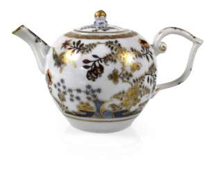 TEAPOTS, MEISSEN, AROUND 1770,
