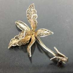 Filigree-flower-brooch: a silver, intricately worked, hand-work very well.