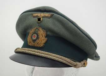 Kriegsmarine: visor cap for officers of the coastal artillery / marine land units, field gray.