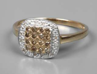 Ladies ring with white and brown diamonds