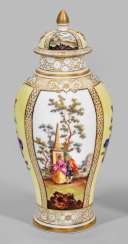 Decoration vase with a Watteau scene