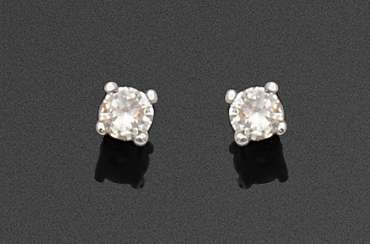 Pair of classic brilliant solitaire earrings
