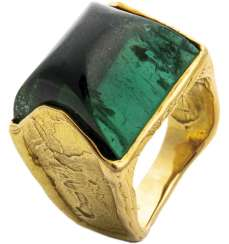 Gold ring with green tourmaline