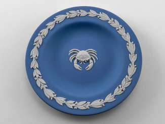 Saucer for Wedgwood jewelry
