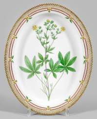 "Large ""Flora Danica"" serving plate"