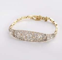 Art-Deco bracelet with diamonds.