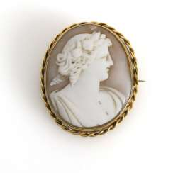 Brooch pendant with shell cameo 2nd half of the 19th century