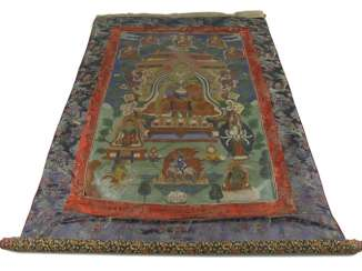 Thangka with the depiction of the crowned Buddha Shakyamuni