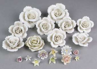 Lot of porcelain roses and blossoms