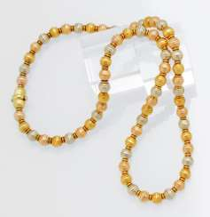 Gold-Necklace-Three-Colors