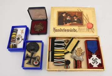 Mixed lot of MILITARIA various medals/badges 1. WK and the Third Reich, Germany 1916-1945
