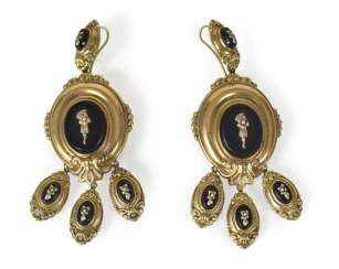 Pair Of Large Earrings With Onyx,
