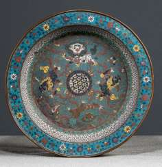 Cloisonné bowl with Buddhist lions and flowers
