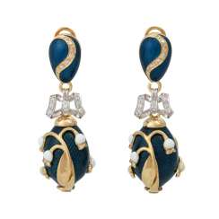 Pair of drop earrings ovoid with floral decoration,