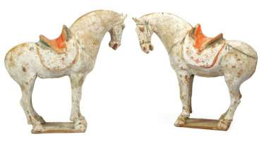 Couple of horses from Earthenware with remains of colour version