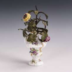 Miniature vase with bouquet made of metal