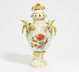 Potpourri-lidded vase with chrysanthemums