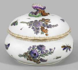 Cover bowl with flowers decor