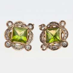Earring with chrysolite and diamonds