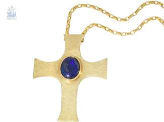 Chain/necklace/pendant: chain necklace with large hand carved cross pendants and a rare blue Opal, probably unique goldsmith's work
