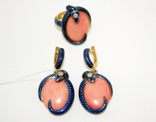 Earrings and ring with coral, diamonds and enamel