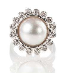 Pearl ring with diamonds,