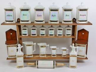 Spice containers with wall Board