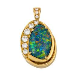 Pendant with opal triplet and diamonds