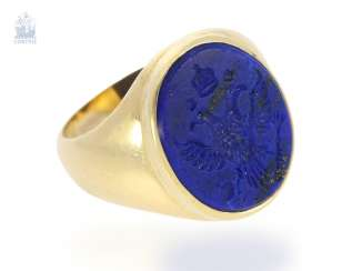 Ring: antique men's ring/seal ring with cut lapis lazuli cameo, a representation of the Austrian double-headed eagle with crown, rare handmade, 18K Gold