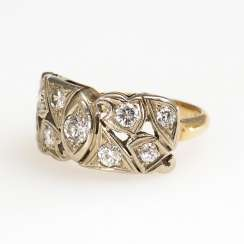 Ring with brilliant-cut diamonds