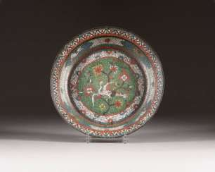 FLAT CLOISONNÉ BOWL WITH CRANE DECORATION