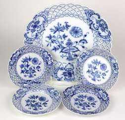 Set *Onion Pattern* Breakthrough Dish Of The City Of Meissen
