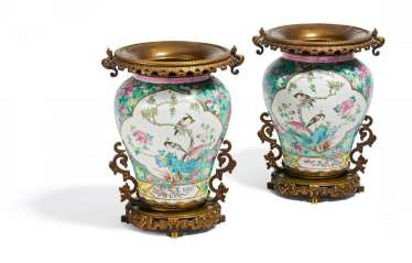 Pair of vases with singing birds