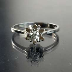 Elegant Ring, brilliant-white gold 585, crown holder, high quality work, very well.