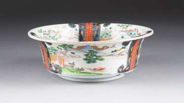 IMARI BOWL WITH MOUNTAIN LANDSCHALFT