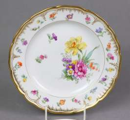KPM flower plate with gold relief