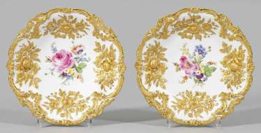 Pair of ostentatious bowls
