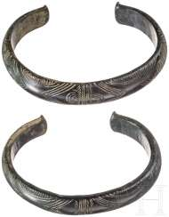 A Pair of studded bangles, bronze age, 12. - 11. Century before Christ