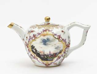 Meissen teapot, around 1735