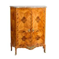 ELEGANT SALON CABINET IN THE LOUIS XV STYLE
