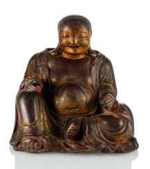 Large figure of Budai made of wood with Lacquer overlay and gold plating