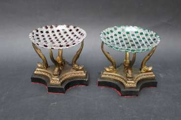 Pair of Bronze centrepieces with sliced glass dishes, 19.century