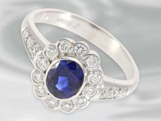 Ring: a decorative vintage flower ring with beautiful sapphire is over 1ct, and fine brilliant-cut diamonds, 18K white gold, unworn